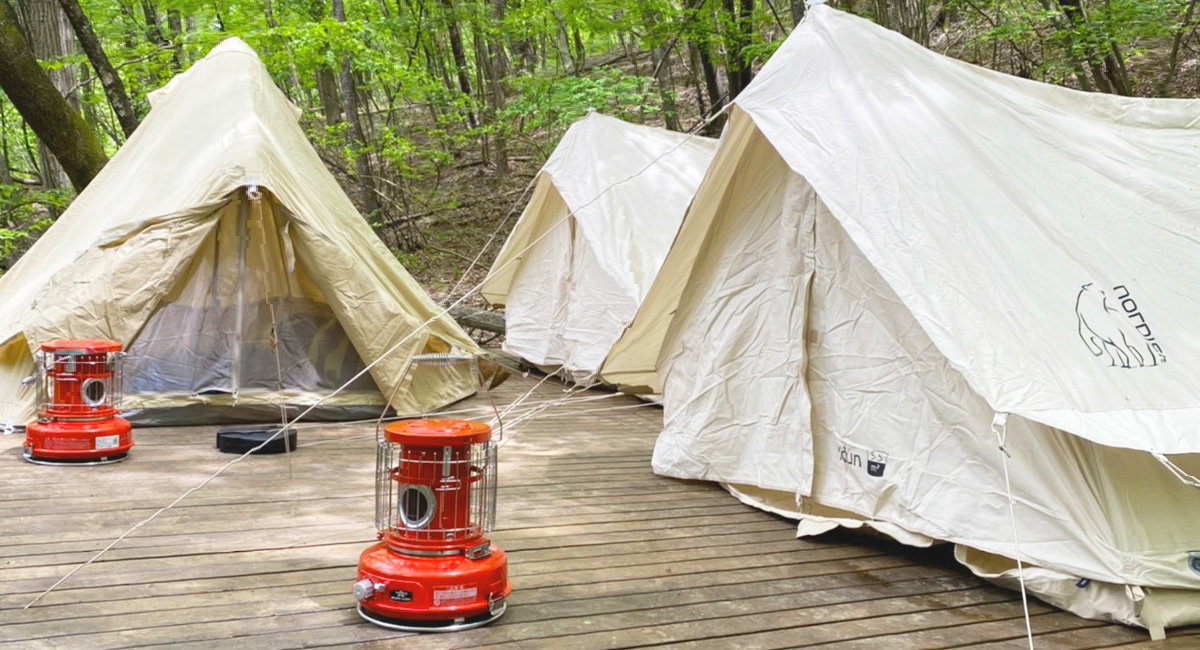 テラスのテント3張